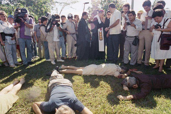 El Salvador: Jesuitas piden se investigue autores de masacre
