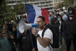 protestan en marsella contra cierres ordenados desde paris