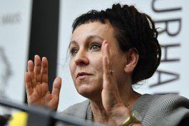 nobel polaca rechaza premio local por grieta lgbt