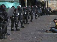 aumenta tension social en colombia; dudas por fuerza publica