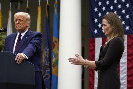 presidente trump postula a amy coney barrett a corte suprema
