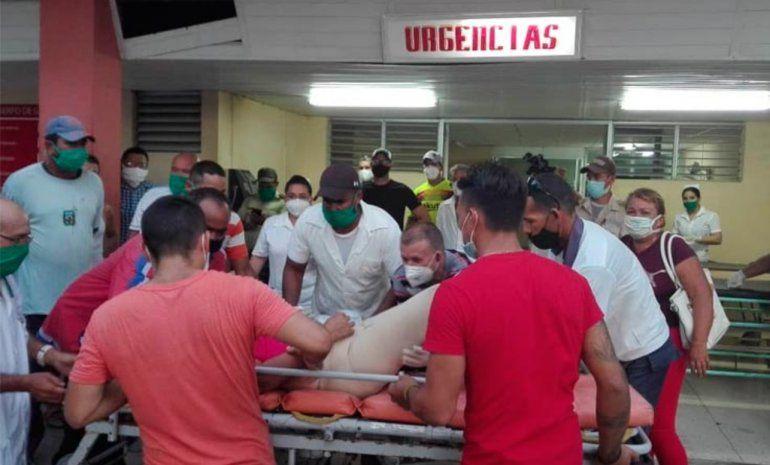 (FOTOS+) Accidente masivo en Las Tunas deja cuatro muertos y 26 heridos