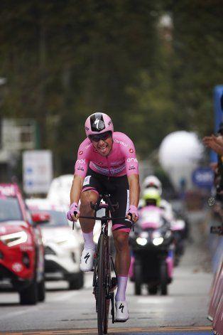 Almeida aumenta su ventaja en el Giro