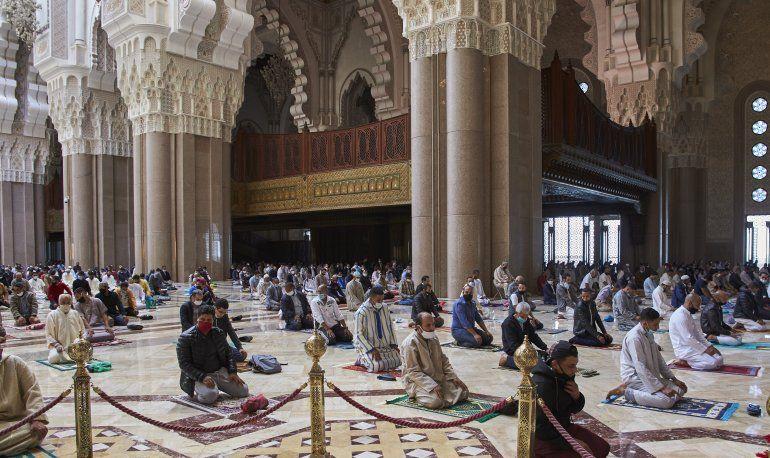 Reabren las mezquitas en Marruecos en medio de pandemia