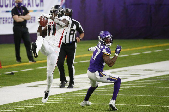 Tras despido de Quinn, Falcons superan 40-23 a Vikings