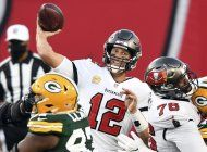 brady supera a rodgers, y bucs aplastan 38-10 a packers