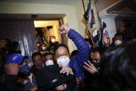 el socialista arce se proclama ganador en confusa jornada electoral en bolivia