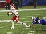 edwards-helaire impulsa a chiefs, que vencen 26-17 a bills