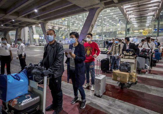 Tailandia recibe a primeros turistas extranjeros en 7 meses