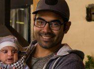 exdibujante del icaic, detenido en el aeropuerto de barcelona tras solicitar asilo politico