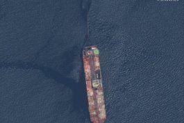 funcionarios: riesgo minimo que buque venezolano se hunda