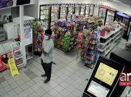 captado en camara robo a mano armada de gasolinera