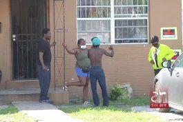 autoridades investigan un tiroteo en donde murio un joven