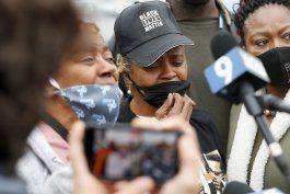 despiden al policia de illinois que baleo a una pareja negra