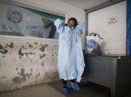 parientes se exponen al covid-19 en hospitales de venezuela