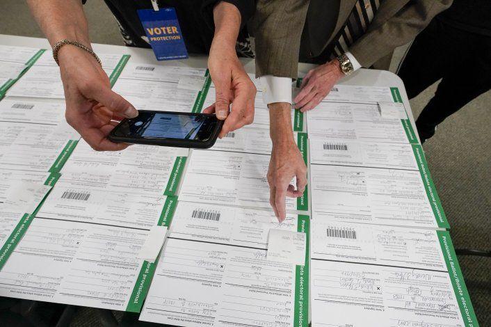 Cortes en EEUU rechazan denuncias de fraude electoral