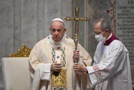 libro del papa apoya protestas por floyd, critica escepticos