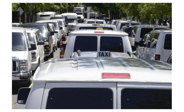 Uber podrá llevar y recoger personas en el aeropuerto