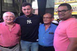 boricua de 16 anos firma con los yankees