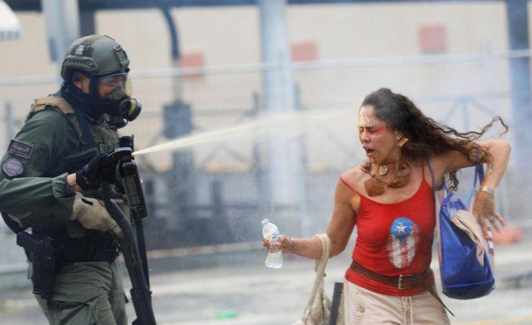 Víctima de gas pimienta en protesta de 1 de mayo demanda a la Policía