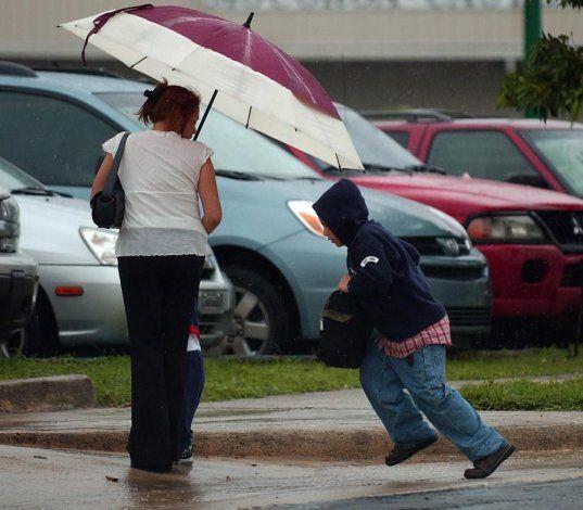 Una onda tropical traerá aguaceros el Día de las Madres