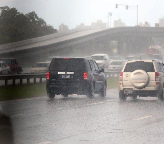La lluvia continuará hoy debido a la cercanía de una vaguada