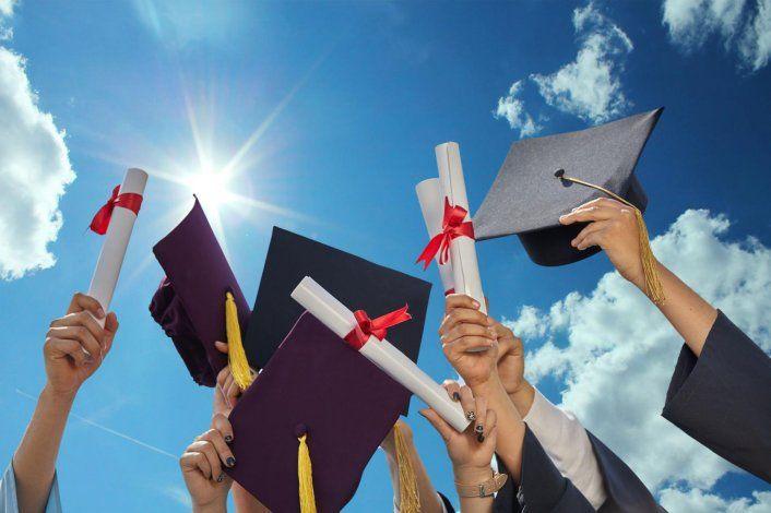 A un nuevo reto los graduados en la Isla