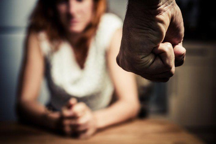 Exigen al gobernador declare alerta ante crisis de violencia de género
