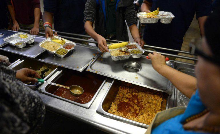 Educación da inicio al programa de distribución de alimentos en verano