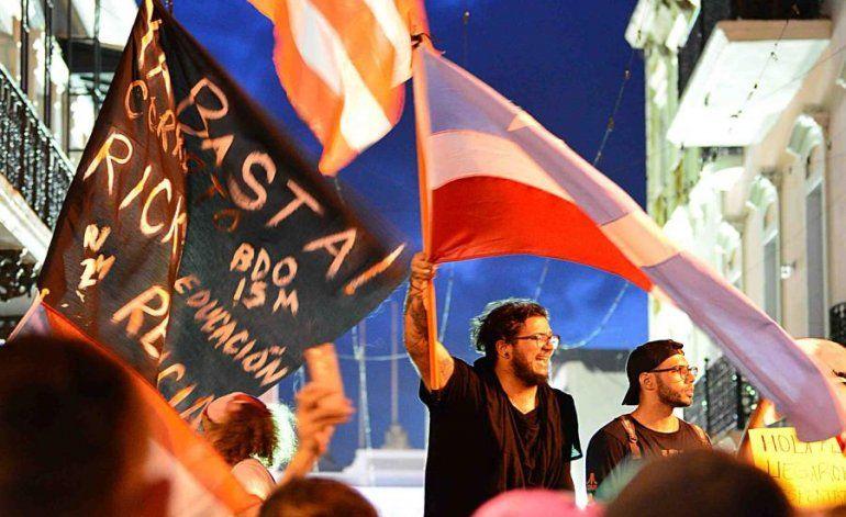 Las manifestaciones del martes frente a La Fortaleza fluyeron en calma