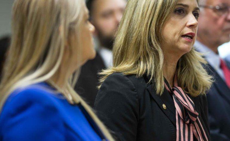 Olga Castellón saca la cara por el Departamento de Justicia