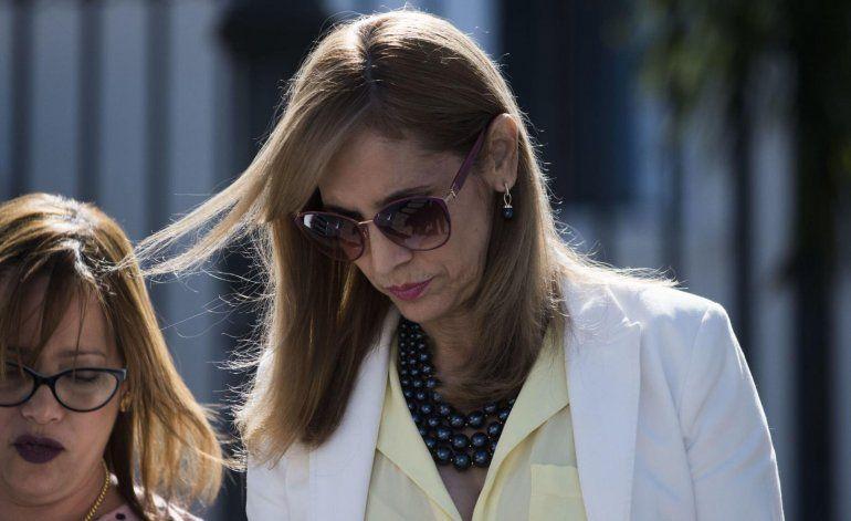 Primer despido de la gobernadora Vázquez