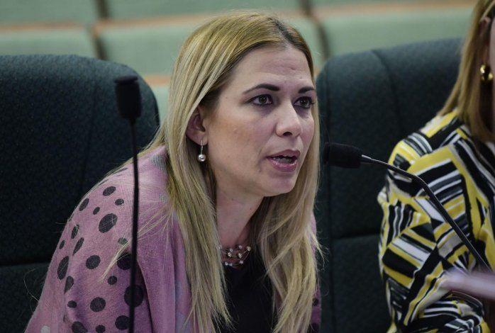 En la foto Rosana Aguilar, directora ejecutiva de la Autoridad de Carreteras y Transportación (ACT).