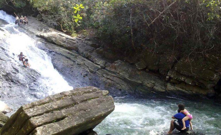 Los aguaceros podrían provocar hoy más golpes de agua en Puerto Rico