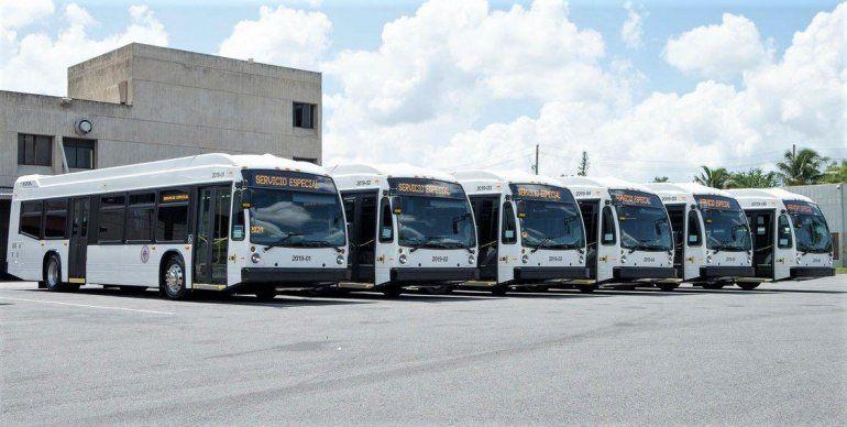 Estrenan seis guaguas en la Autoridad Metropolitana de Autobuses