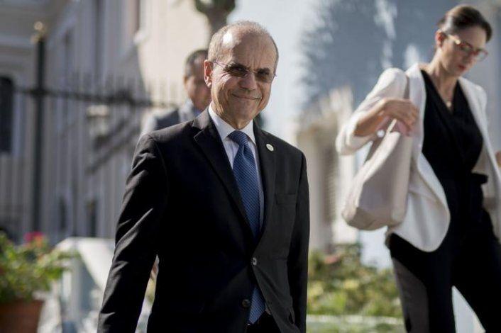 UPR cerraría recintos por recortes