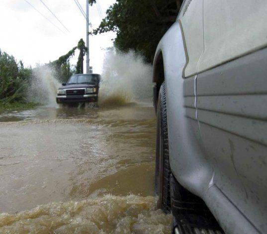 Los aguaceros continuarán afectando hoy el interior, oeste y el área metro de la isla