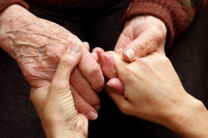 Proponen multar a personas que abandonen envejecientes en hospitales