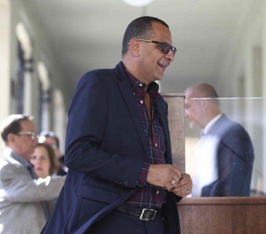 Continúan los testimonios de supuestos engaños y falta de paga en caso contra Abel Nazario