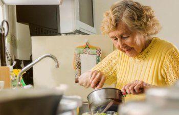 Asignan $2.7 millones para alimentos a adultos mayores