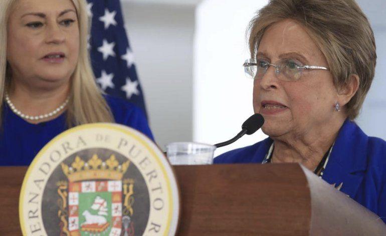 Quiñones de Longo acepta en un mensaje de texto a la gobernadora que tomó decisiones multimillonarias en Salud