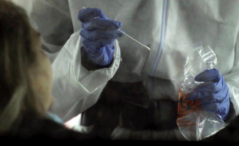 Salud reporta 1,400 casos y 86 muertes por Covid-19 en la Isla