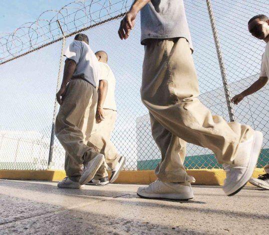 Corrección afirma que todos los confinados adultos están libres de COVID-19