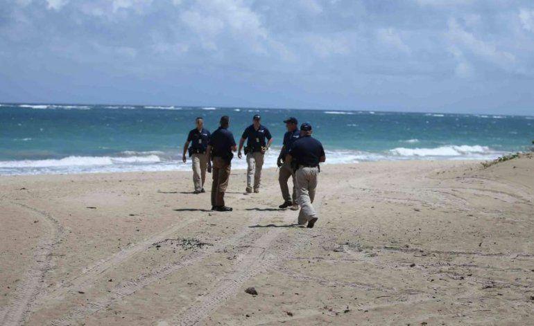 Denuncian a cuatro bañistas en playa por violación al toque de queda