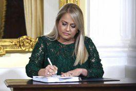 la firma del nuevo codigo civil provoca un ramillete de reacciones