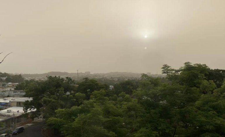 Puerto Rico amanece cubierto por una extensa nube de polvo del Sahara
