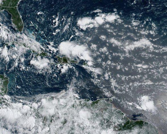 La tormenta Gonzalo continúa su avance hacia el Caribe