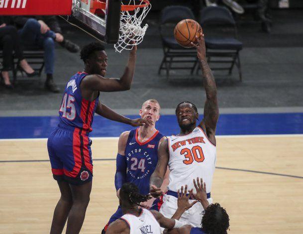 Knicks vencen a Pistons y llegan a la pausa  encima de .500
