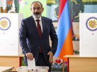 partido oficialista aventaja en elecciones de armenia