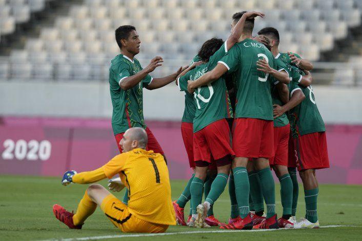 México arrasa 4-1 a Francia en su debut en Tokio